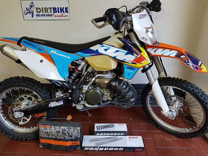 2014 KTM 300 XCW R55,000 blue one with spares